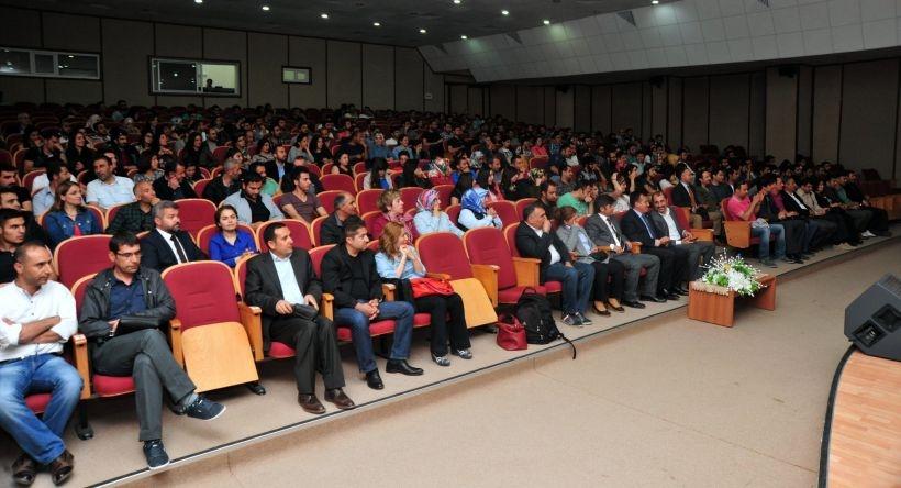 Van YYÜ'de Yaşar Kemal paneli