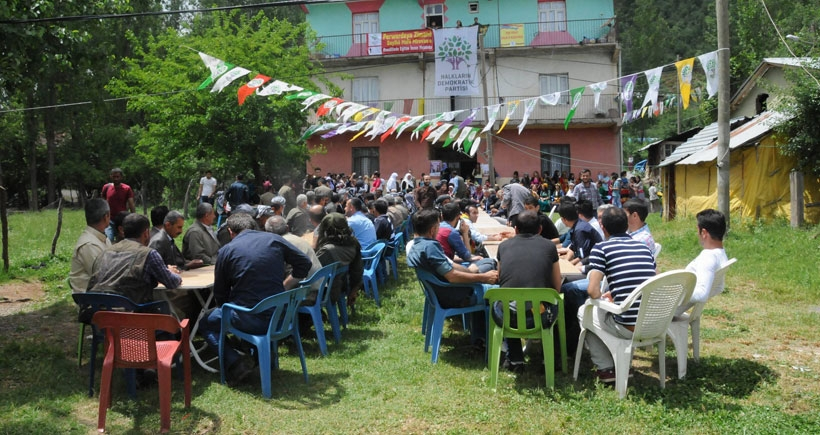 Jirki Aşiretinin ileri gelenleri HDP'yi destekleyeceğini açıkladı