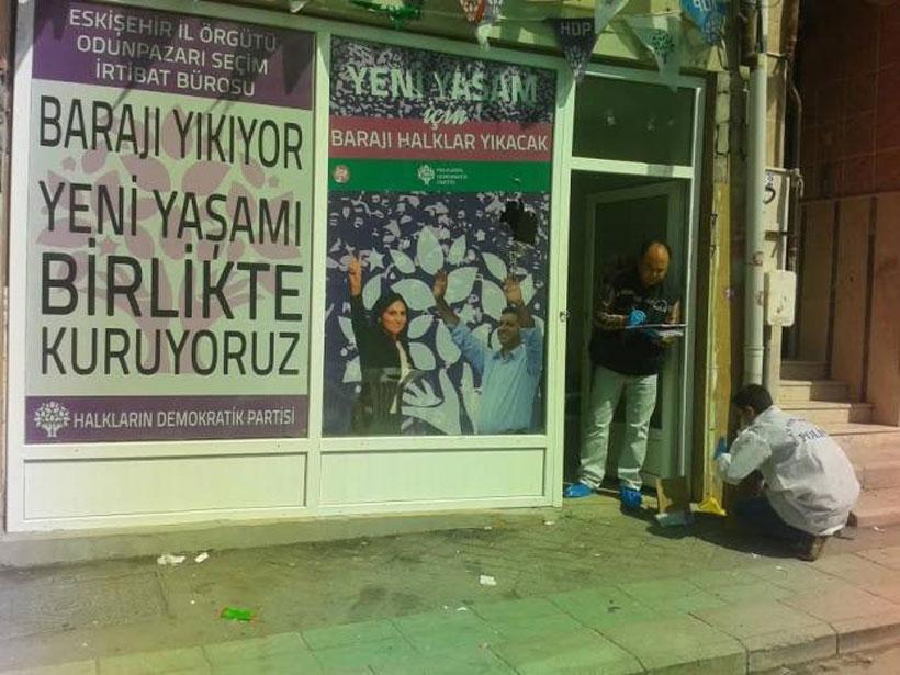 Eskişehir'de HDP bürosuna silahlı saldırı