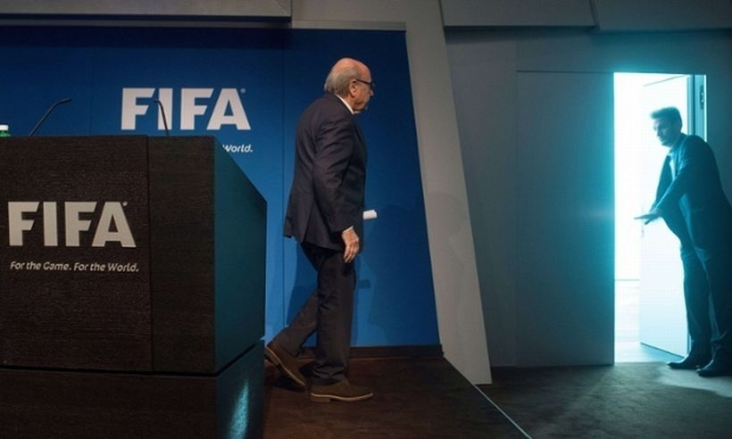 Sepp Blatter FIFA başkanlığını bırakıyor