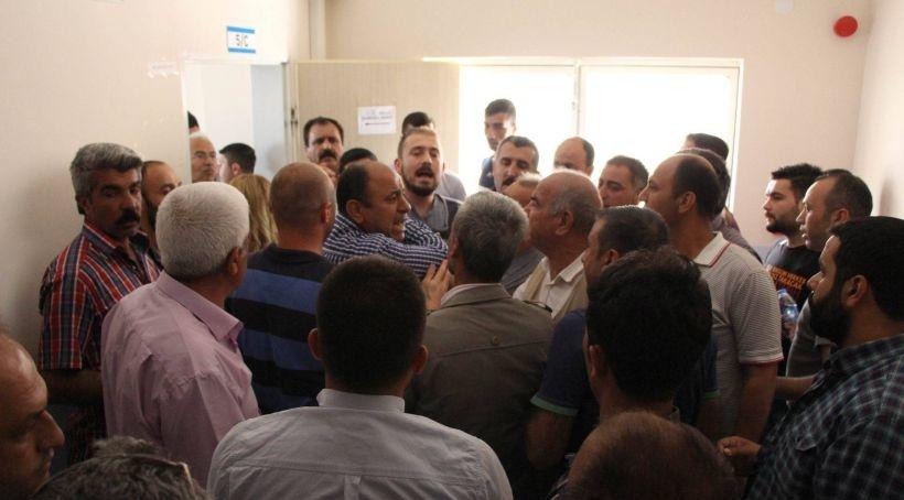 AKP'li müşahitler HDP'lilere saldırdı