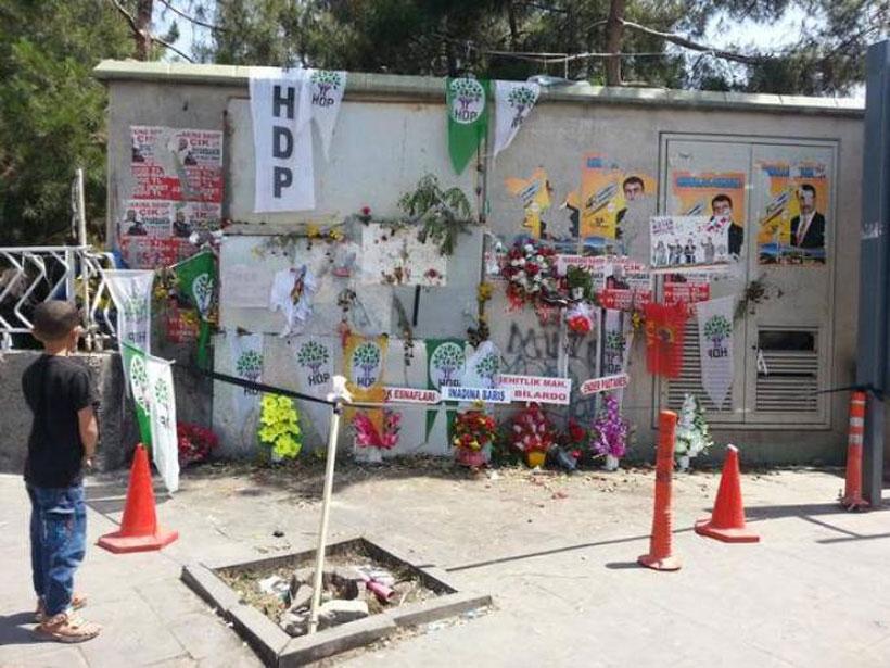 Diyarbakırlılar saldırının yapıldığı yeri anıta dönüştürdü