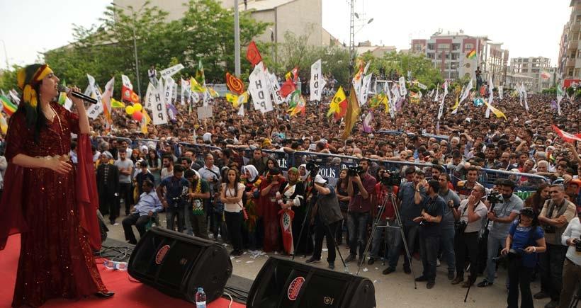 HDP, Van'da 7-1'lik zaferi kutladı