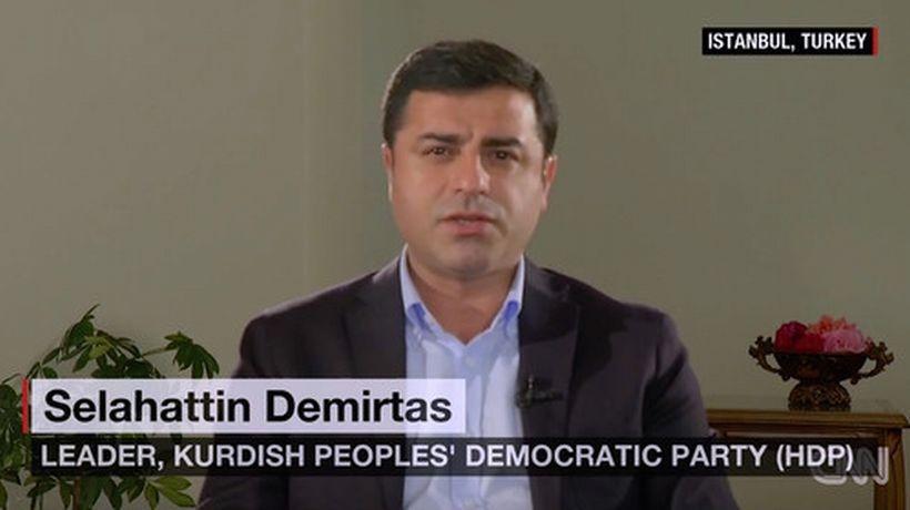 Demirtaş: Halk, Erdoğan'a kırmızı kart gösterdi