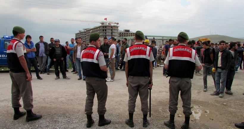 'İnşaata HDP ve Öcalan bayrağı astılar' iddiasıyla işçileri linç etmek istediler