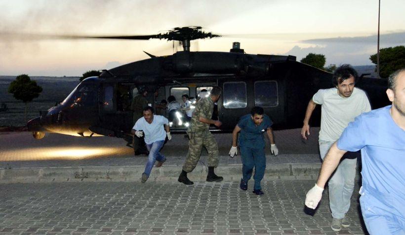 Siverek'te askerleri taşıyan midibüs devrildi: 1 ölü 27 yaralı