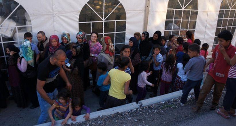 Suriyeli çocuklara iftar dayağı