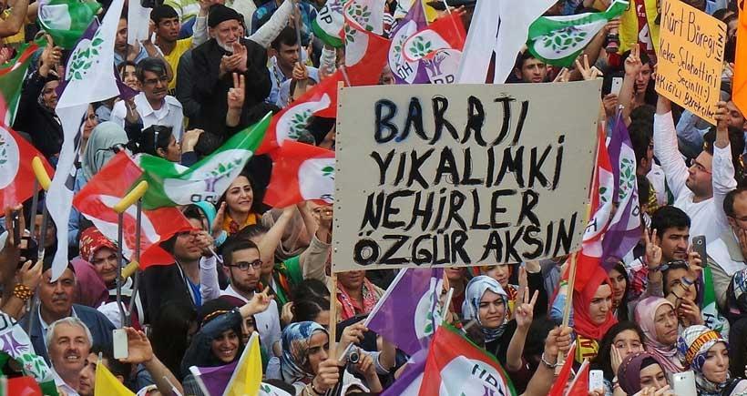 HDP, seçim barajının kaldırılması için kanun teklifi verdi