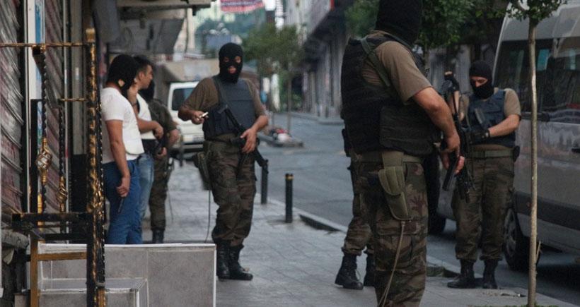 13 ilde operasyon: 297 kişi gözaltında, 1 kişi öldürüldü