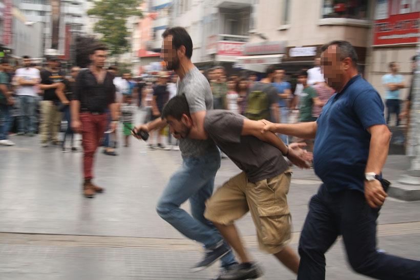 Kızılay'da polis terörü