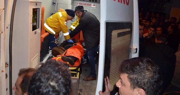 Binada çıkan yangında 1 işçi öldü, 2 itfaiyeci zehirlendi