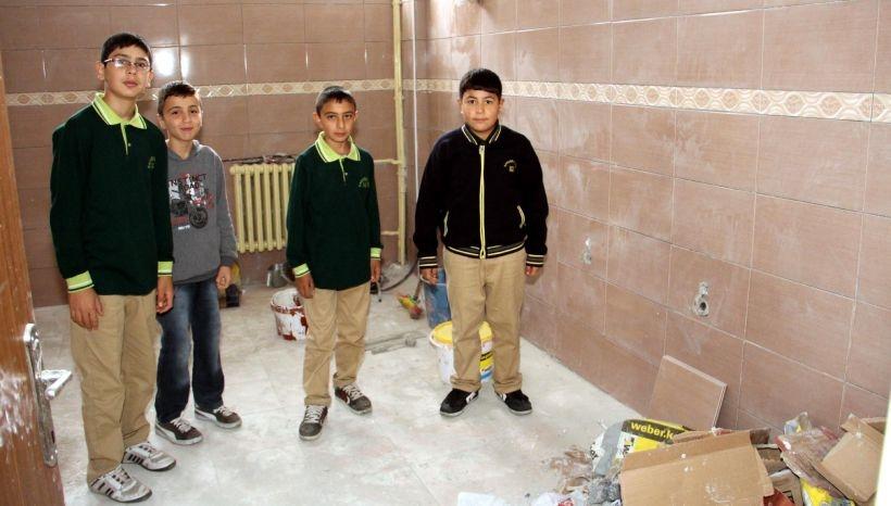 Öğrencilerin tuvalet sorunu çözülmedi
