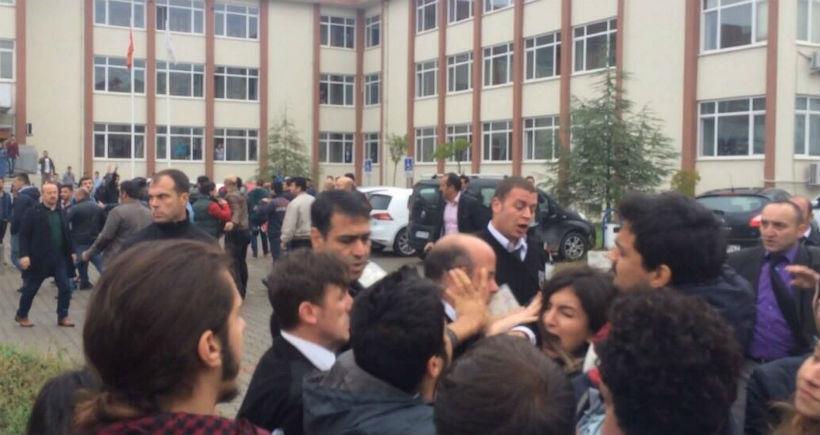 Katliamı protesto eden Yalova Üniversitesi öğrencilerine polis saldırdı