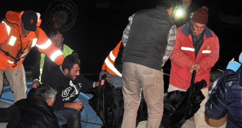 Mültecileri taşıyan 3 bot fırtınada battı: 3'ü çocuk 4 kişi öldü