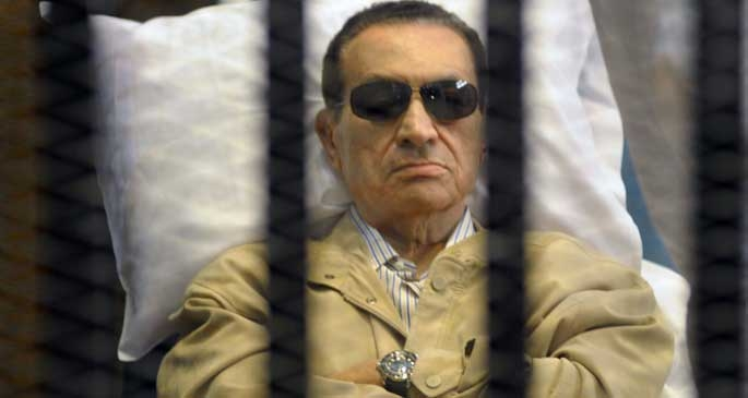 Hüsnü Mübarek, 'protestocuları öldürme' davasından aklandı