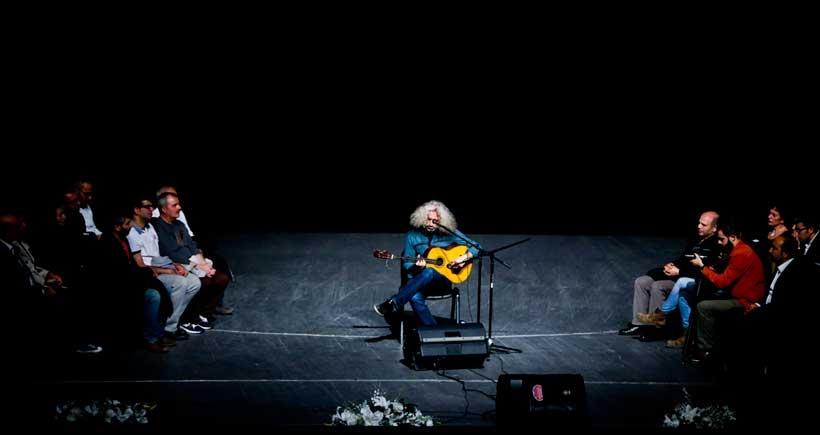 Ahmet Aslan konserinde yer kalmadı, izleyiciler sahneye çıktı