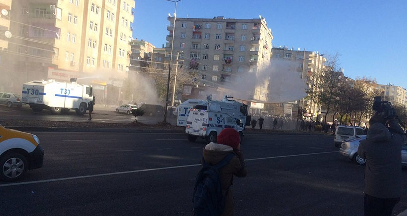 Diyarbakır ve Bulanık'taki yürüyüşlere polis saldırdı