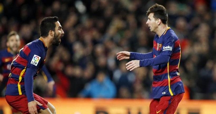 Arda Turan, Barcelona formasıyla ilk maçına çıktı