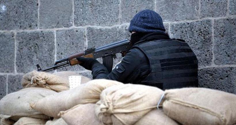 Diyarbakır Sur'da gün boyu yaşanan çatışmalarda 5 asker hayatını kaybetti