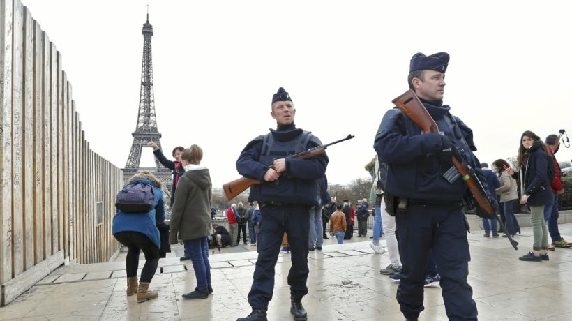 Fransa'da vatandaşlıktan çıkarma yasası kabul edildi