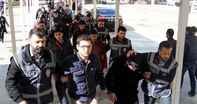 Antalya'da paralel yapı iddiasıyla gözaltına alınan 17 kişi adliyeye sevk edildi