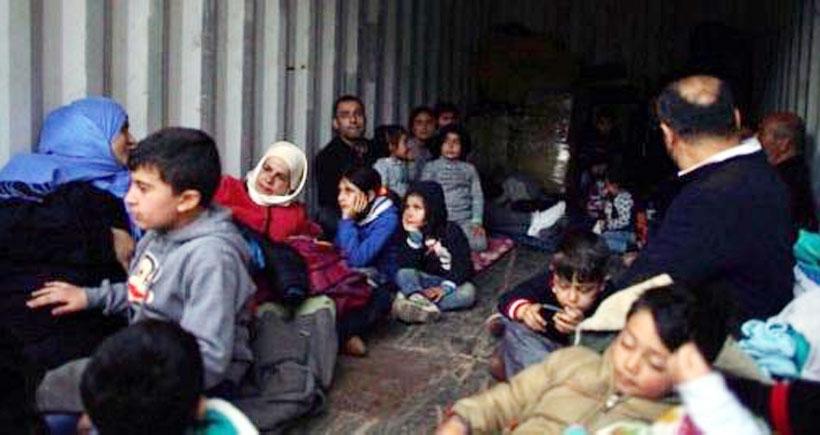 Yunanistan adalarında mülteci kampları tamamen doldu