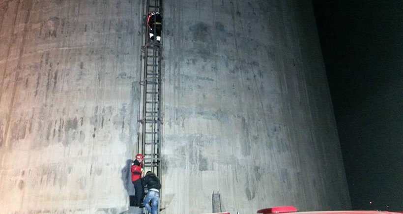 HES inşaatında iskele kurarken mahsur kalan 4 işçi kurtarıldı