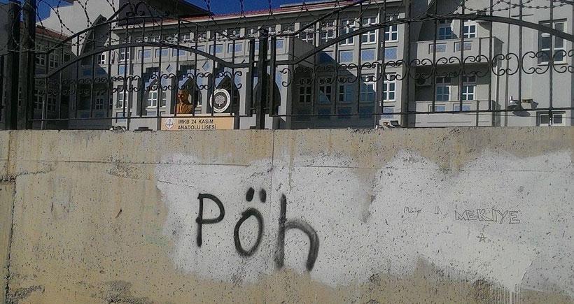 Okul duvarında PÖH yazısı