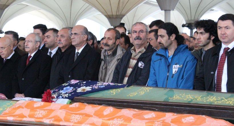 Katliamda yaşamını yitiren Çermik ailesinin üyeleri toprağa verildi