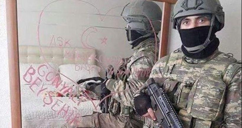 Özel harekatçının yatak odasında poz verdiği evin sahibi: Terbiyesizlik