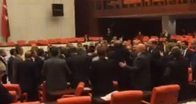 Mecliste Sivas Demir Çelik İşletmeleri işçileriyle ilgili gerginlik yaşandı