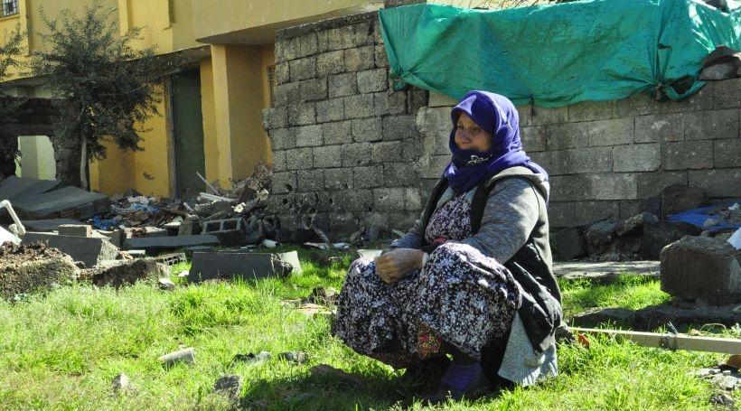 'Oğlum ev yıkılmış gelen gazetecilere çay veremedim ayıp oldu'