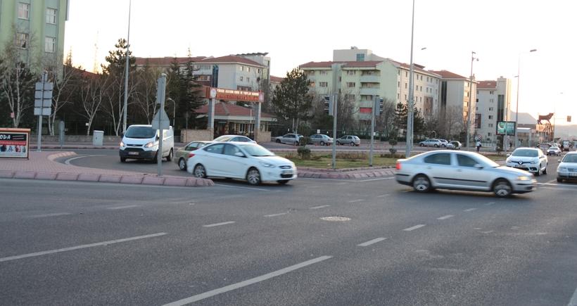 Kayseri Talas Bulvarında bir ayda dört kaza sıfır önlem!