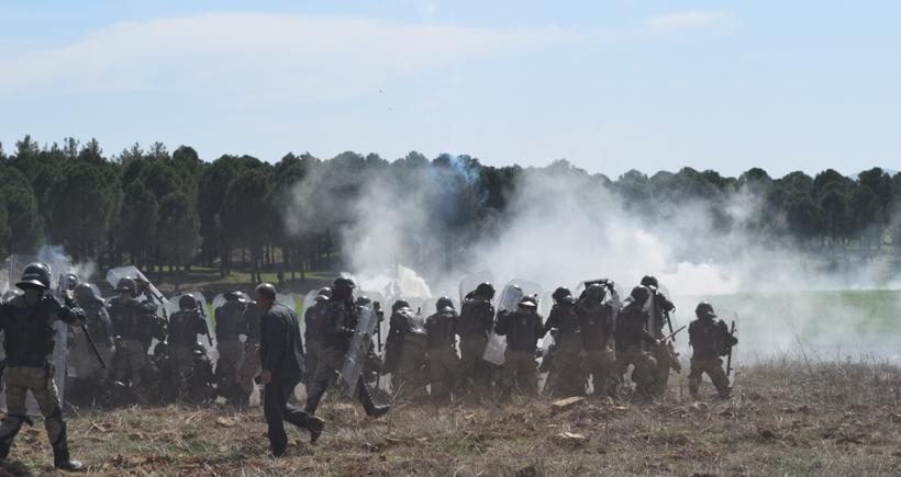 Konteyner kent protestosuna jandarma saldırdı