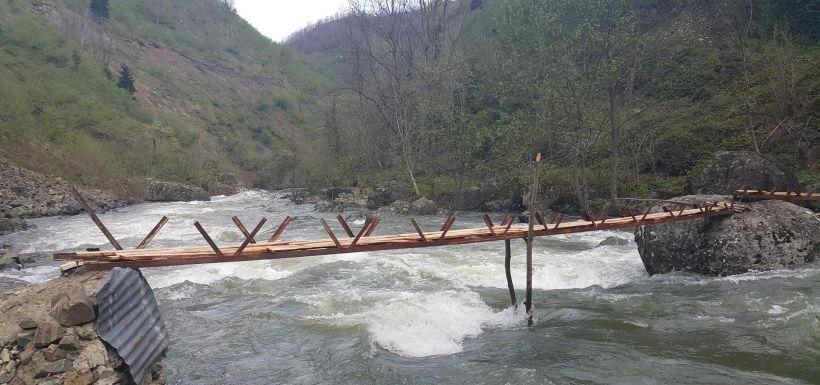Köprüden ırmağa düşen kadının cansız bedeni bulundu