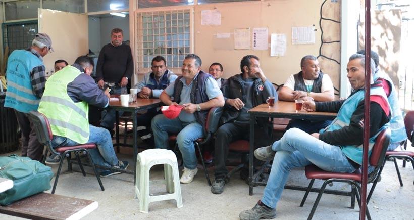 İşçiler sendikaları mücadeleye çağırdı