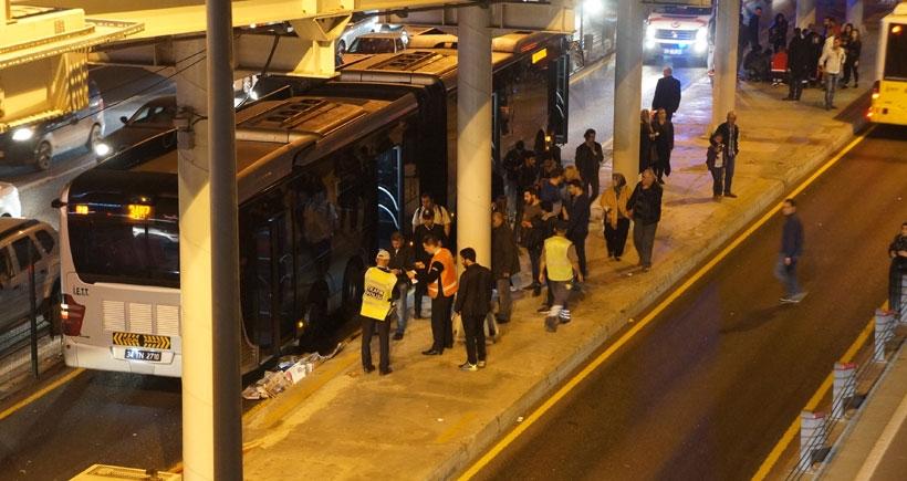 Zabıta'dan kaçan su satıcısı Metrobüsün altında kalarak hayatını kaybetti