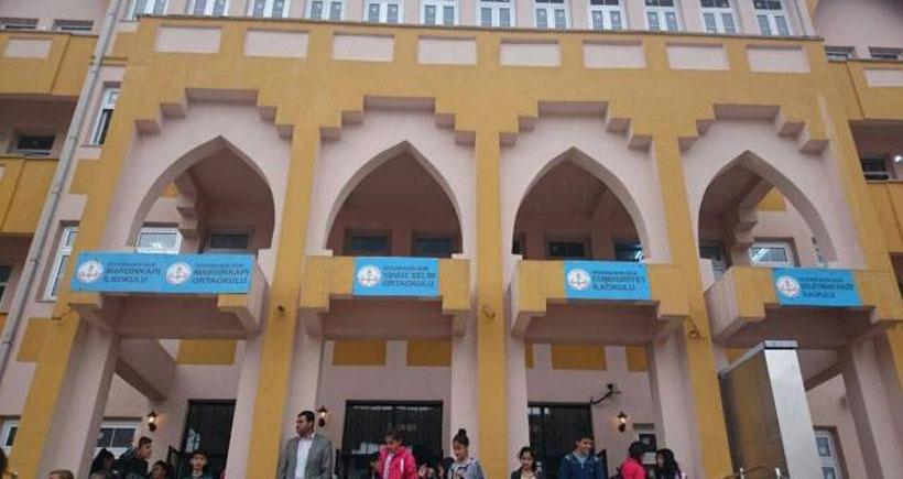 Bir binaya beş okul, beş okula beş karargah