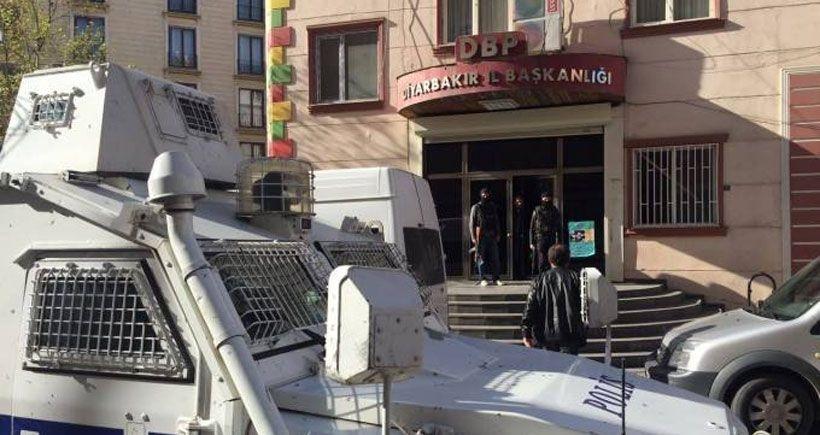 Gözaltına alınan 3 Kürt siyasetçi adliyeye sevk edildi