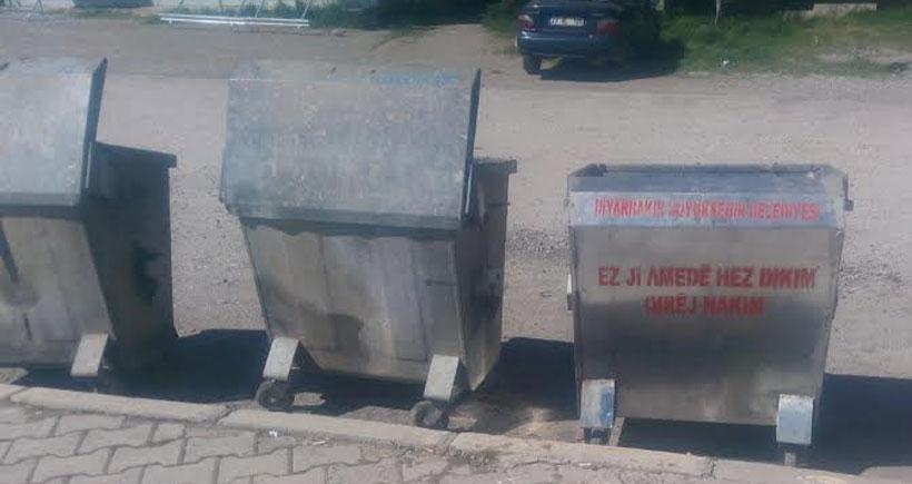 Çöp konteynerine propaganda suçlaması!