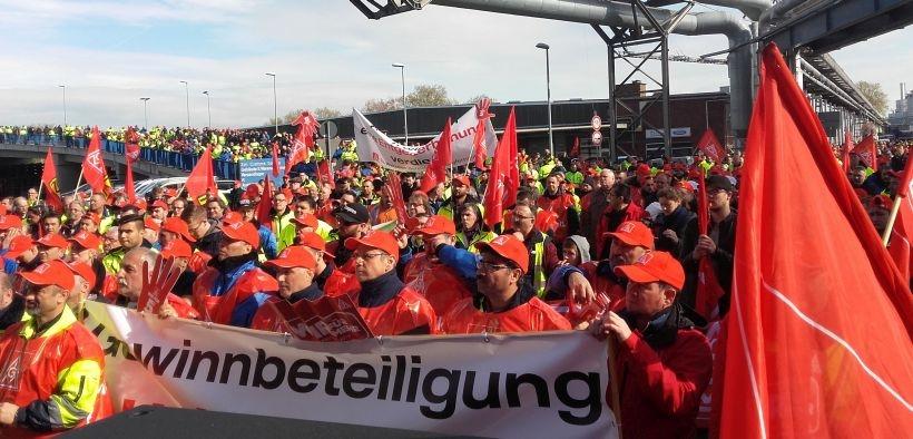 Stuttgart'tan metal işçisi: Sesimize dokunmayın