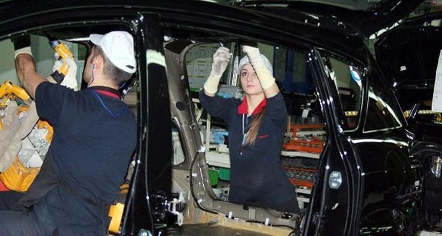 Patronlar cebini dolduruyor  işçi asgari ücrete talim ediyor