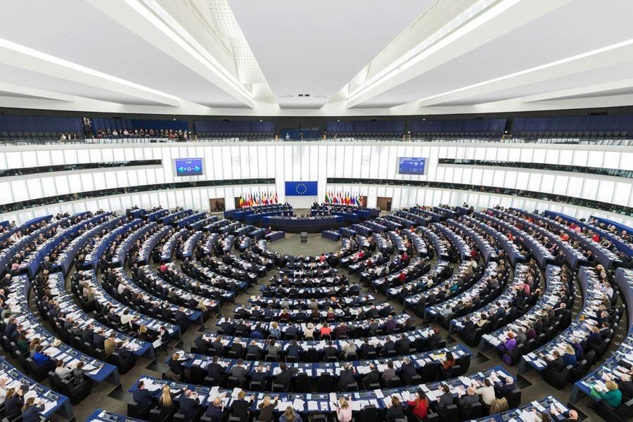 Avrupa Parlamentosu Türkiye'ye 70 milyon avroluk yardımı kesti