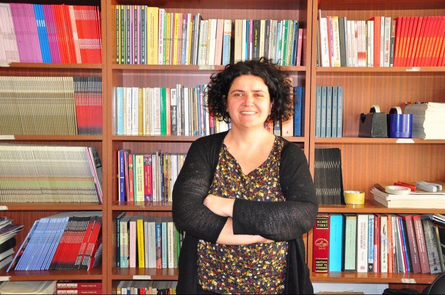 Gazeteci Arzu Demir hakkında 2 dava 3 soruşturma açıldı