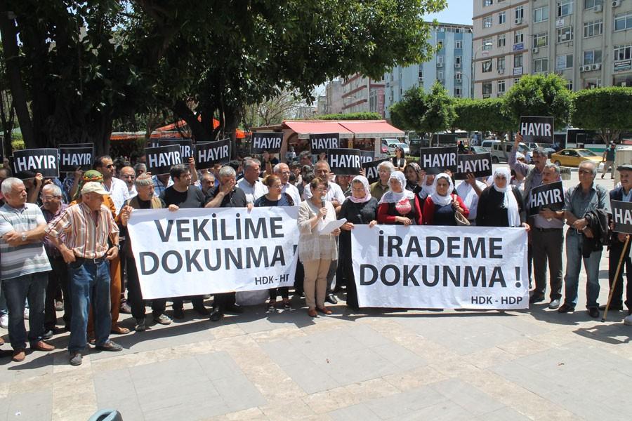 Adana'da 'İrademe dokunma' eylemi