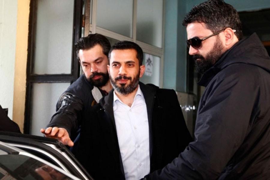 Gazeteci Mehmet Baransu'nun davası 8 Şubat'a ertelendi