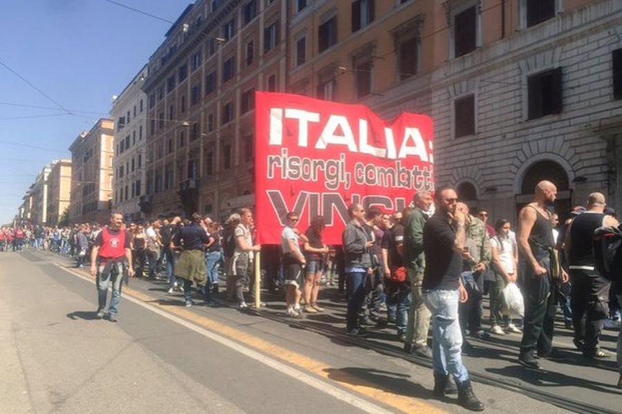 Roma'da faşist mitinge yanıt verildi