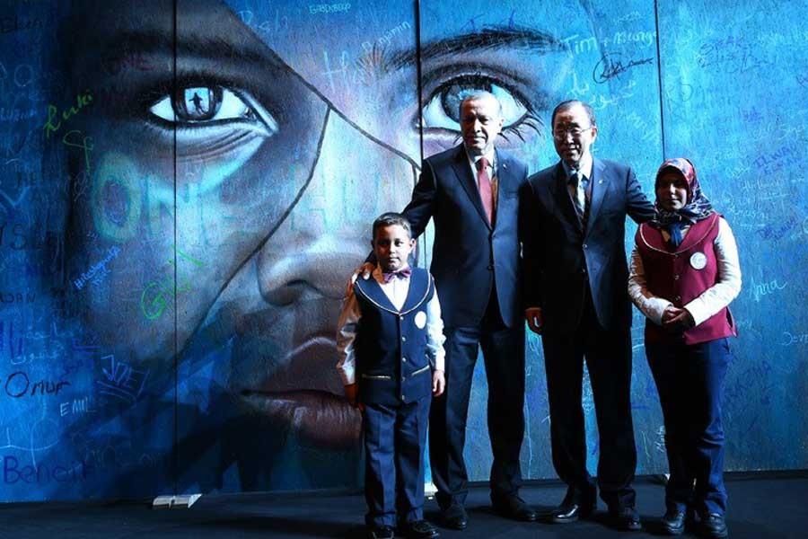 BM VE ONUN <br> PEK 'İNSANİ' ZİRVESİ