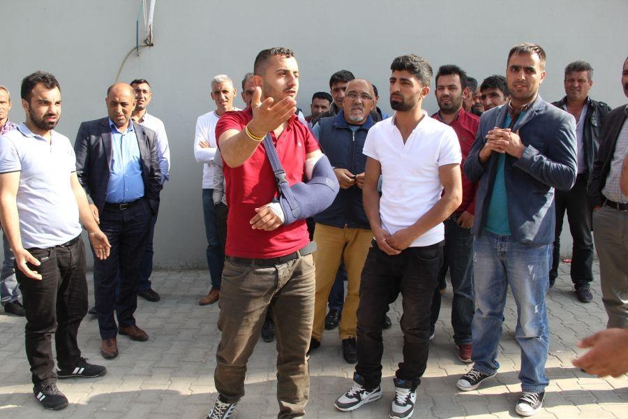 Acarsan Holding'e bağlı çalışan işçiler haklarını arıyor