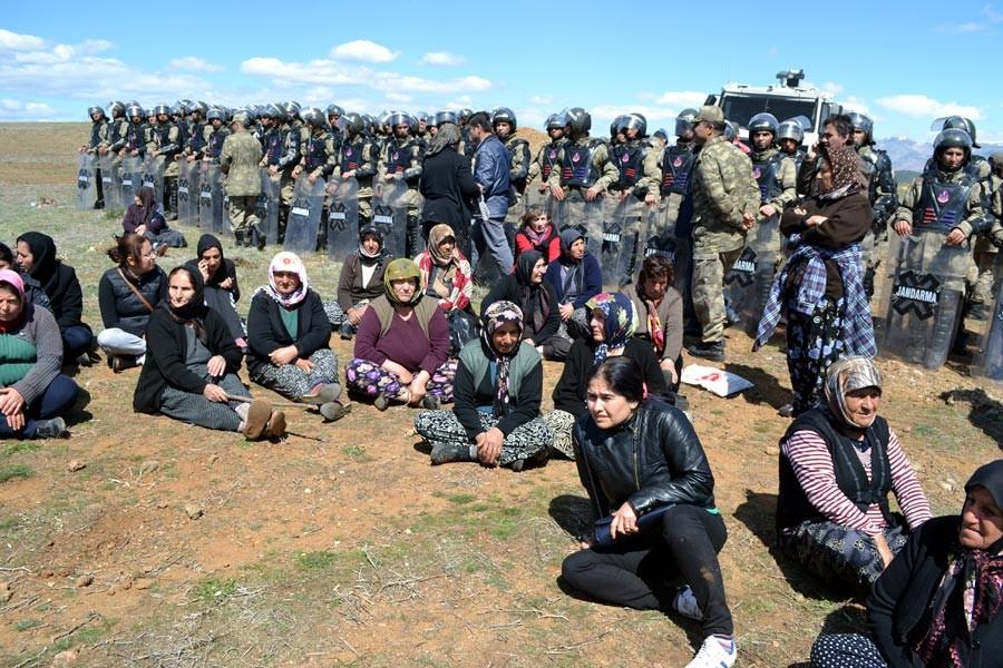 Valilik Maraş'ta mülteci kampına karşı eylemleri yasakladı